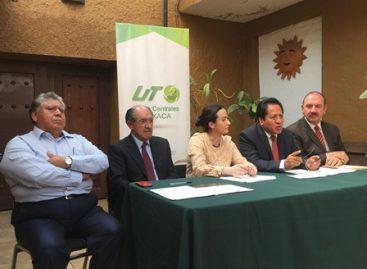 Entrega Caceca a la UTVCO acreditación de dos programas educativos