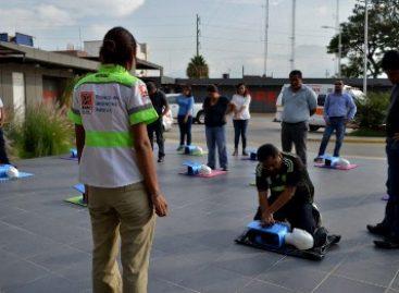 """Imparten el curso """"Seis acciones para salvar una vida"""" a personal del 066 y 089 de Oaxaca"""