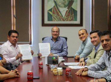 Firman municipio de Oaxaca y Sindicato de Trabajadores convenio de incremento salarial