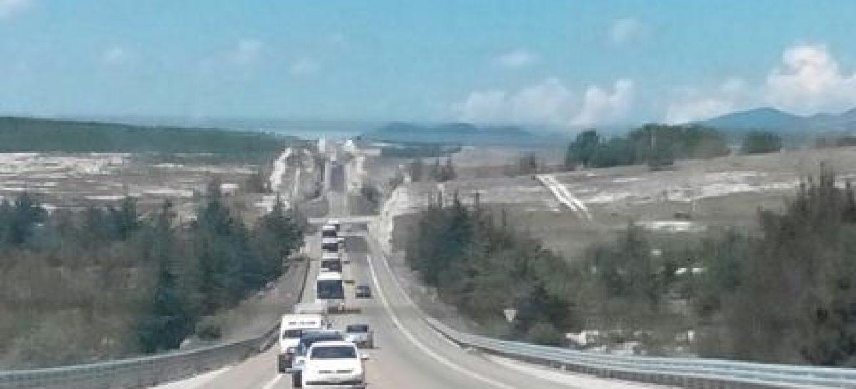 Resguarda Defensoría de Oaxaca caravana que transporta heridos de Nochixtlán a la Ciudad de México