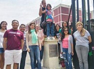 Jóvenes dreamers procedentes de Estados Unidos conocen la otra cara del barrio de Tepito