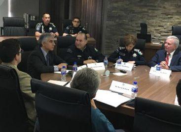 Capacitan especialistas del CIDE a policías federales en diplomado en Mando Policial