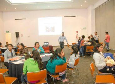 Entrega IEEPO apoyos a 220 escolares del Programa Nacional de Becas de madres y jóvenes embarazadas