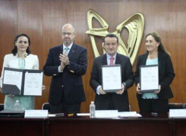 Firman IMSS y Alianza Médica para la Salud convenio para capacitar a médicos en el extranjero