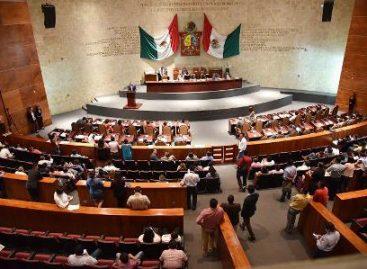 Alejandro Murat gobernador electo toma el control de la Legislatura