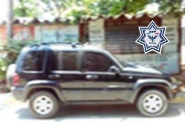 Recuperan camioneta y vehículo reportados como robados en la Costa y Valles Centrales