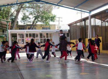 """Atiende programa """"Escuela de Tiempo Completo"""" a 809 planteles de las ocho regiones de Oaxaca"""