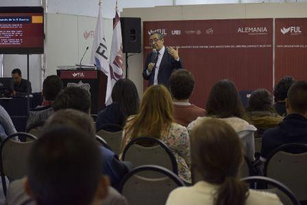 Director del Centro de Creación Literaria Xavier Villaurrutia del INBA