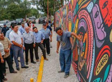 Con mural, reconocen labor del personal de limpia del municipio de Oaxaca de Juárez