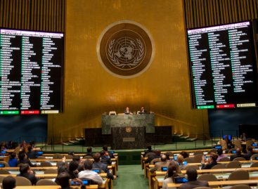 ONU vota levantar bloqueo a Cuba, sin voto en contra de EEUU