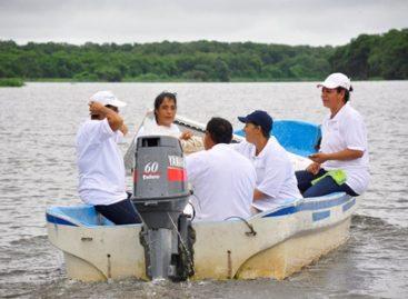 Llevan mujeres abasto de Diconsa a isla Costa de San Juan, Veracruz