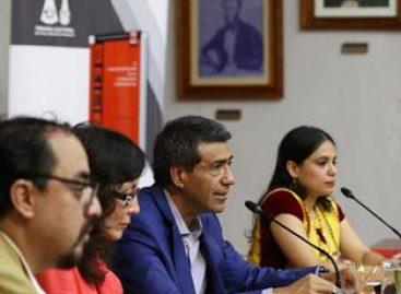 Los derechos políticos en todas las sociedades democráticas se arrebatan: Carrasco Daza