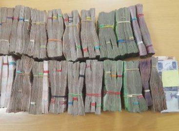 En el AICM, Policía Federal asegura a un ciudadano peruano con más de dos millones de pesos