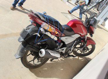 Capturan en flagrancia a asaltante y ladrón de motos que operaba en Oaxaca; vinculado a proceso