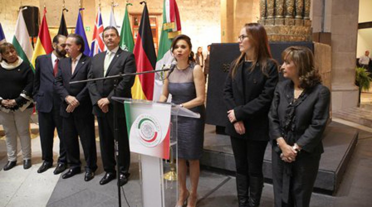 Diplomacia parlamentaria, ruta para dirimir conflicto entre naciones: Alcalá Ruiz