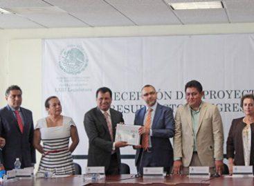 Entrega IEEPCO anteproyecto de presupuesto 2017 a la LXIII Legislatura de Oaxaca