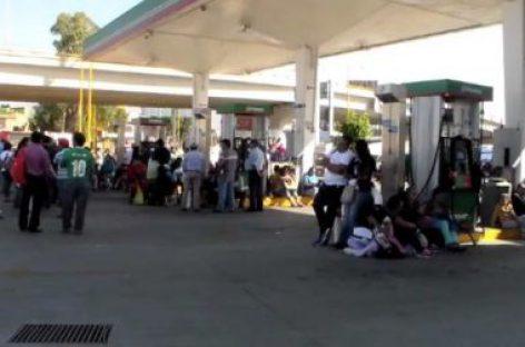 Crece inconformidad por alza del precio a la gasolina y la pulverización del salario