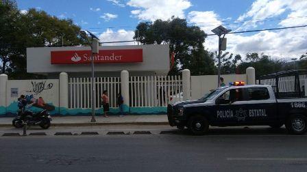 Asaltan sucursal de Santander