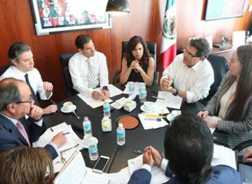 Analizan senadores y autoridades educativas acciones en beneficio de mexicanos en el exterior