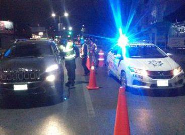 Arresta Policía Vial a 20 conductores en Operativo Alcoholímetro en Valles y Cuenca