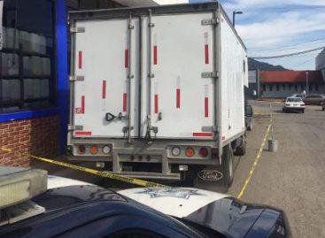 Liberan a dos personas privadas de su libertad y recuperan vehículo con mercancía robada