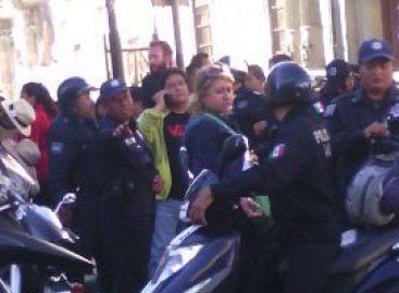Agrede Jaime Velázquez a mujer agente de Tránsito