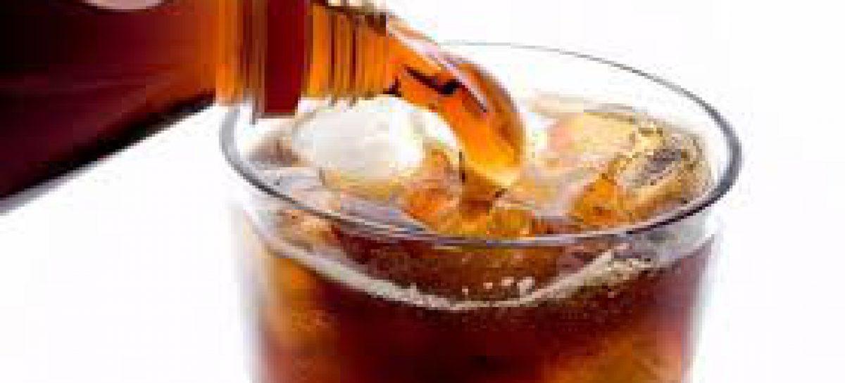 Bebidas gaseosas aumentan el riesgo de padecer problemas de salud: IMSS