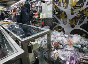 Aseguran 25 toneladas de perfumes de contrabando y siete locales comerciales