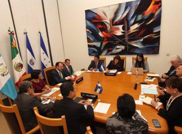 Intercambian cancilleres centroamericanos opiniones sobre protección a derechos humanos de migrantes