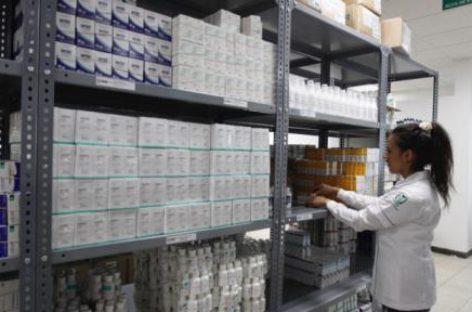 Compra IMSS en subasta pública genéricos para la influenza a mitad de precio