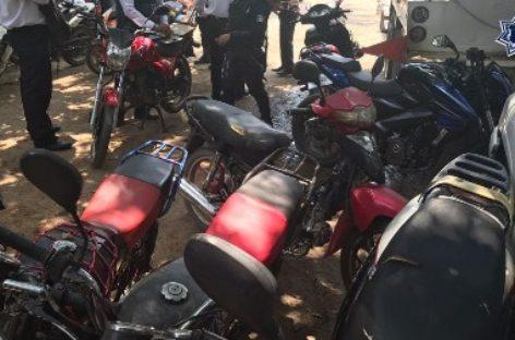 Aseguran policías viales estatales 25 motocicletas y un automóvil en el Istmo