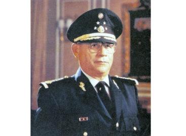 Fallece Antonio Riviello Bazán, general retirado ex secretario de la Defensa Nacional