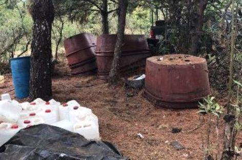 En Michoacán, policías federales destruyen dos laboratorios clandestinos