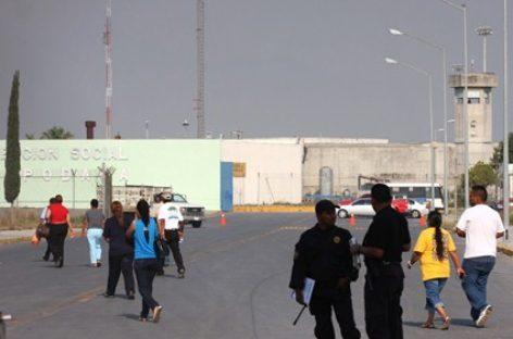Condena CNDH violencia al interior de penales de Nuevo León