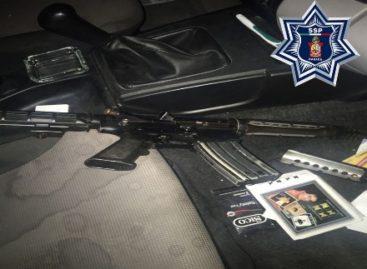 Un arma de alto poder y dos vehículos fueron asegurados en Jalapa de Díaz, Oaxaca