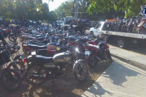 """Aseguran 141 motocicletas por diversas irregularidades en Operativo """"Juchitán Seguro"""""""