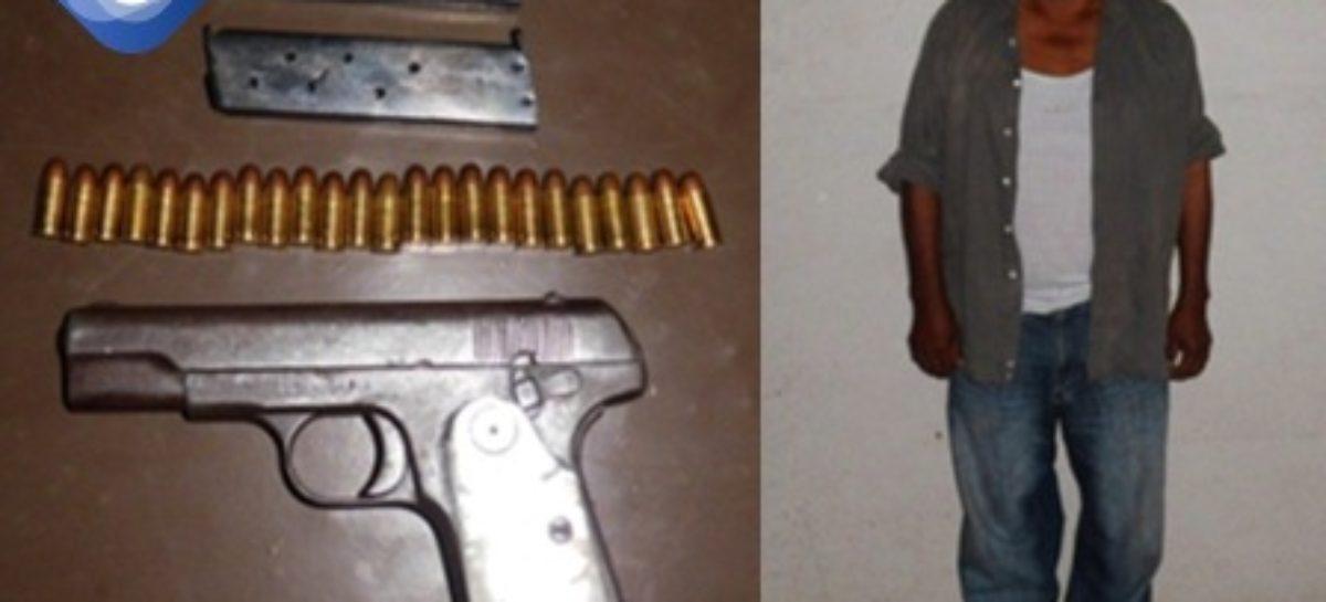 Detenido por violación a la Ley Federal de Armas de Fuego y Explosivos en la Costa