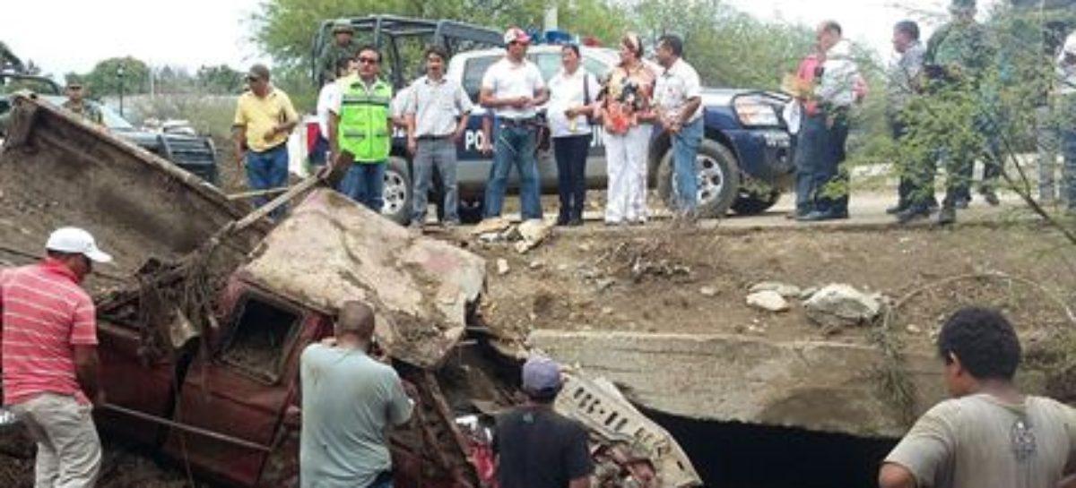 Evalúan daños por contingencia en Teotitlán de Flores Magón; aplican Plan DN-III