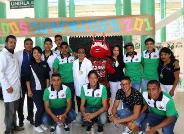 Comparten futbolistas profesionales vivencias con estudiantes, en el IMSS