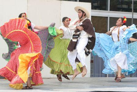 Colores, danzas típicas y huapangos