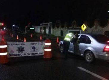 Instala Policía Vial Operativo Alcoholímetro en la Carretera Federal 190; nueve arrestados
