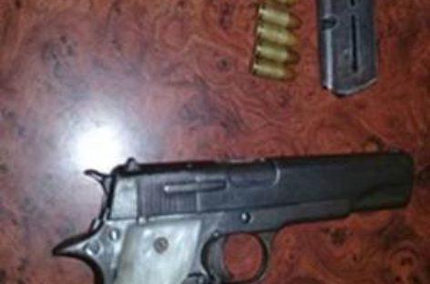 Detenidos tres sujetos que viajaban con un arma en Acatlán, Oaxaca