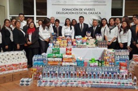 """Dona PGR-Oaxaca, a través de su voluntariado, víveres al DIF para damnificados por """"Beatriz"""""""