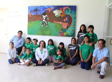 Donan piezas pictóricas al Área de Oncología del Hospital de la Niñez Oaxaqueña