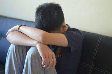 Irritabilidad, cansancio o notas bajas en la escuela, signos de depresión en adolecentes