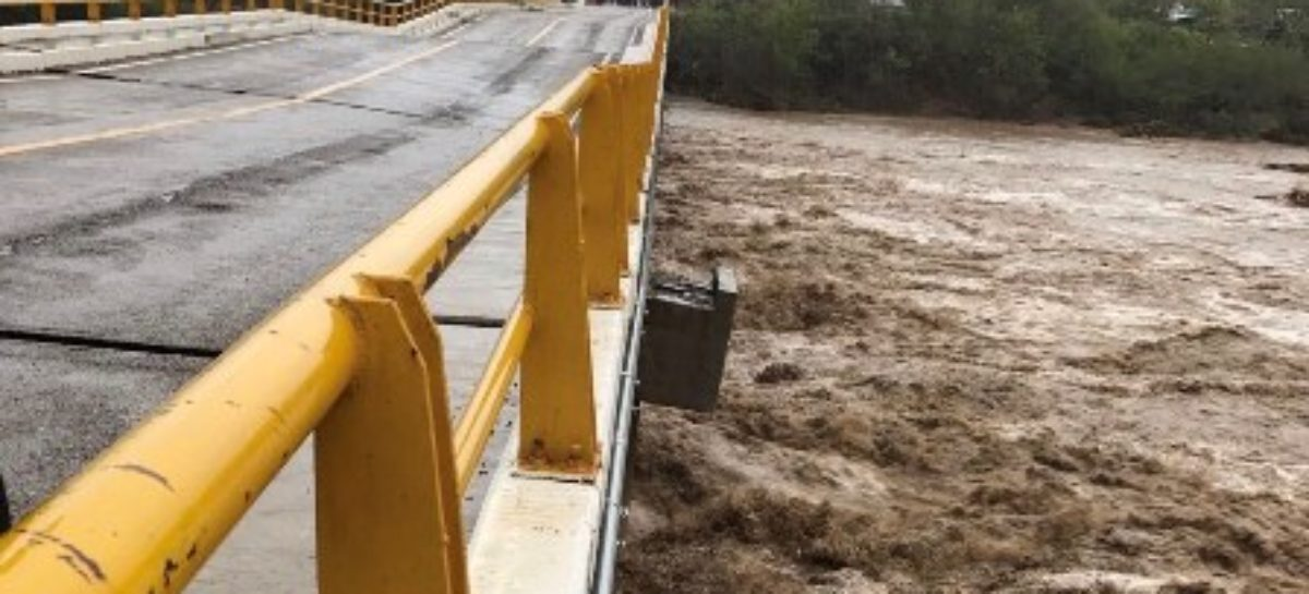 Reabren paso vehicular en puente de Tequisistlán, Oaxaca, dañado por lluvias