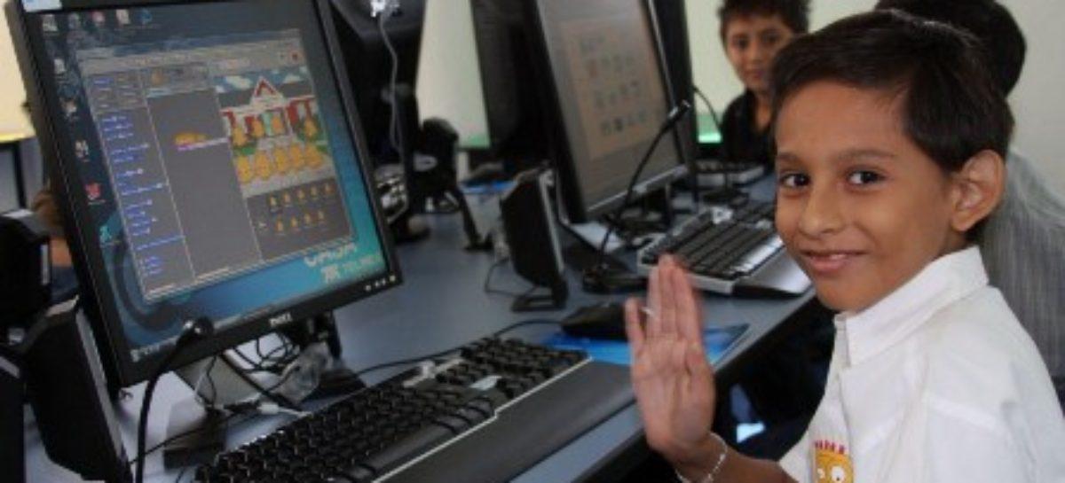 Entrega TELMEX más de mil Becas Digitales TELMEX a hijos de sus trabajadores