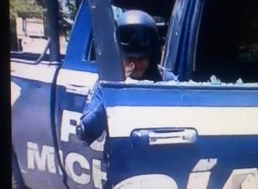 Agreden a elementos del Ejército y policías con palos y piedras en Tepalcatepec, Michoacán