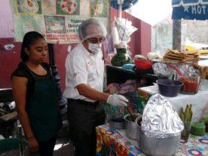 Verifican calidad de alimentos que expenden en alrededores del Auditorio Guelaguetza y lugares con actos socioculturales.