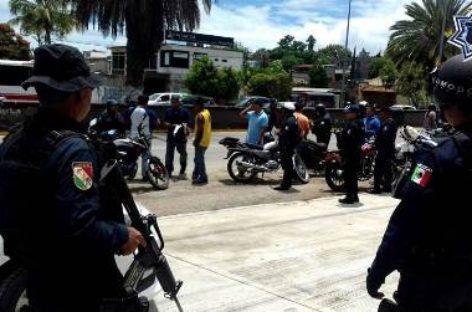 Aseguran 33 motocicletas y aplican 54 infracciones durante operativo en Oaxaca